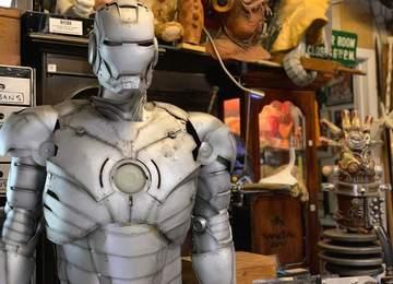 Demir Adam kostümünün resmi