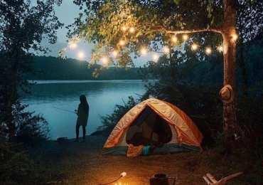 Bir kamp manzarası