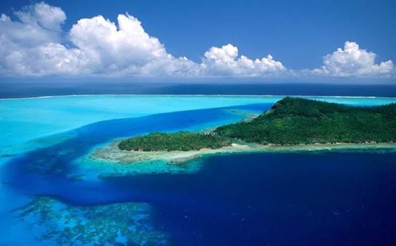 Bir okyanus manzarası
