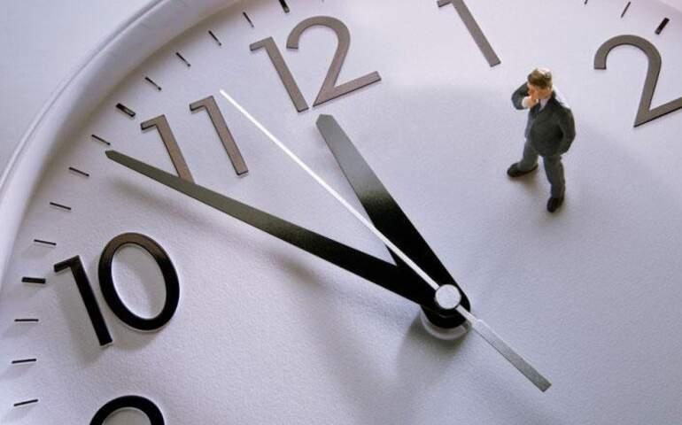 zamanın işleyişini bir insanın gözlerindeki değişimden anlayabilirsiniz.